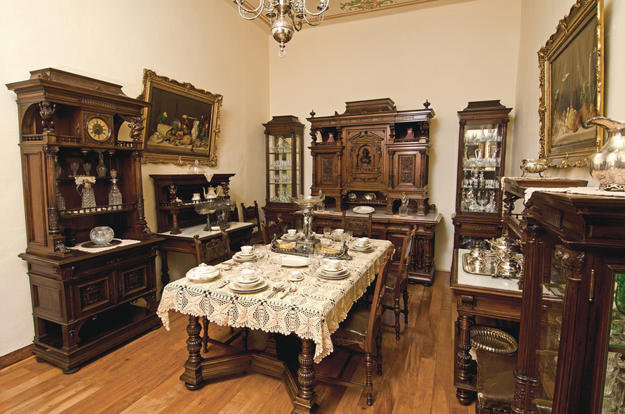 Museo bello for Muebles estilo imperio